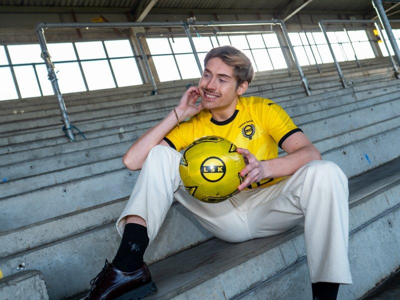 SMILER: Johan gleder seg til å konkurrere med de store gutta igjen. Foto: Emil Saglien Ruud