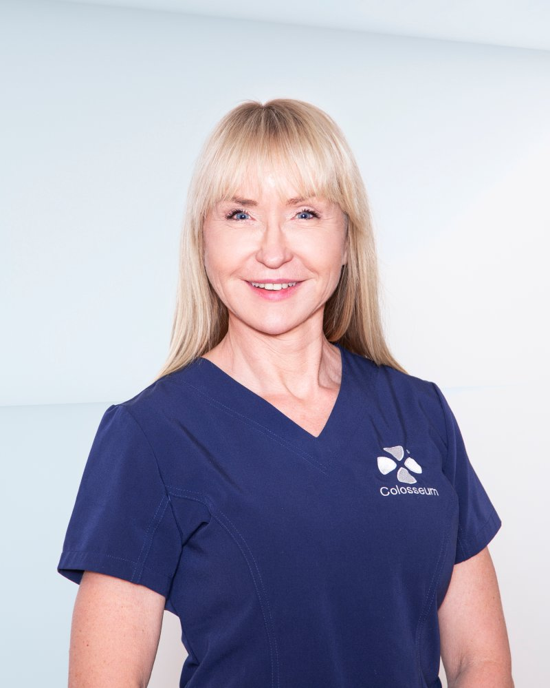 ROSER LSK-POOLEN: Klinikkleder Lisbeth Stokseth er svært glad for at Colosseum Tannlege er en del av Lillestrøms sponsornettverk.