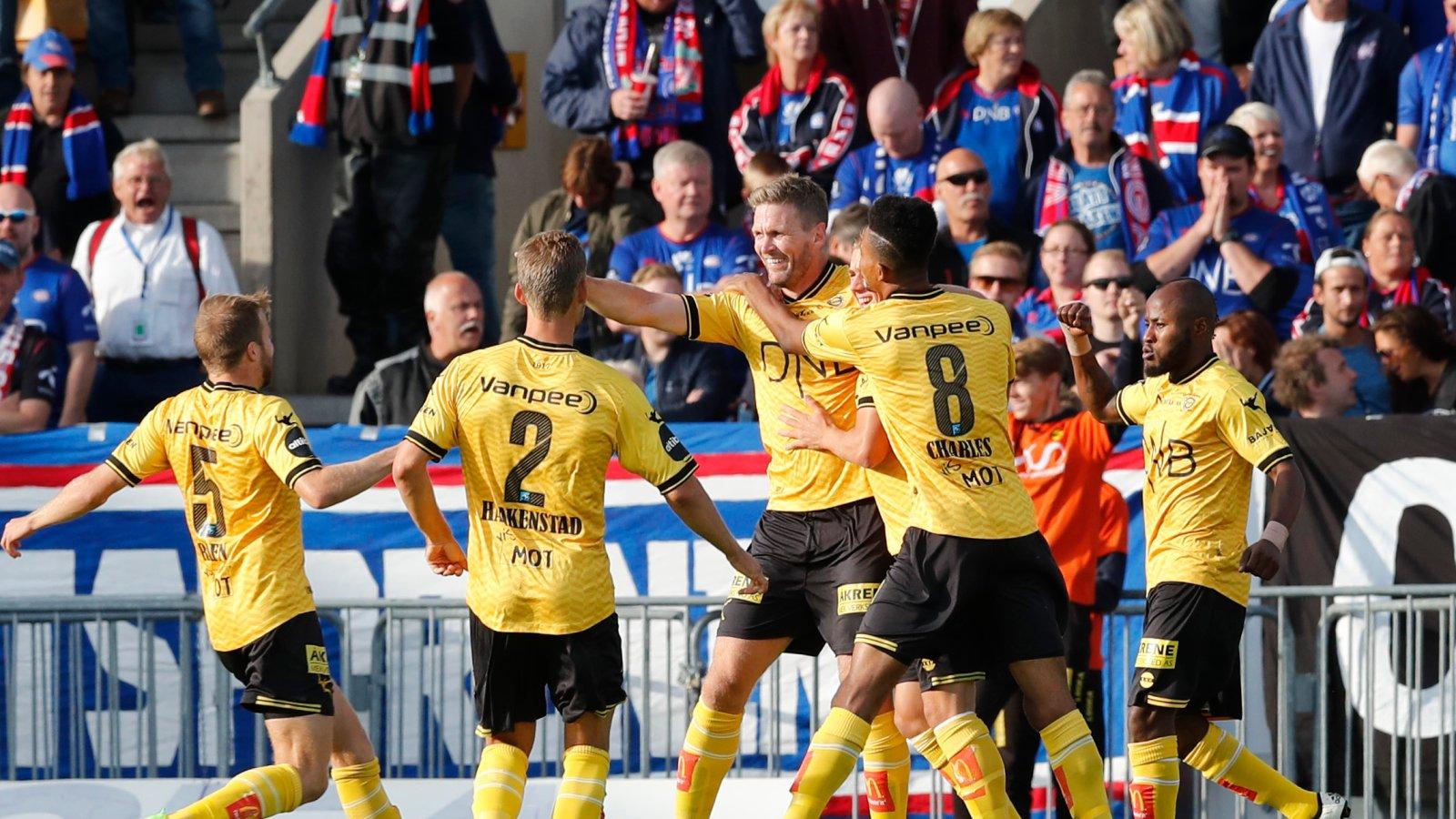 Frode Kippe jubler etter scoring mot Vålerenga