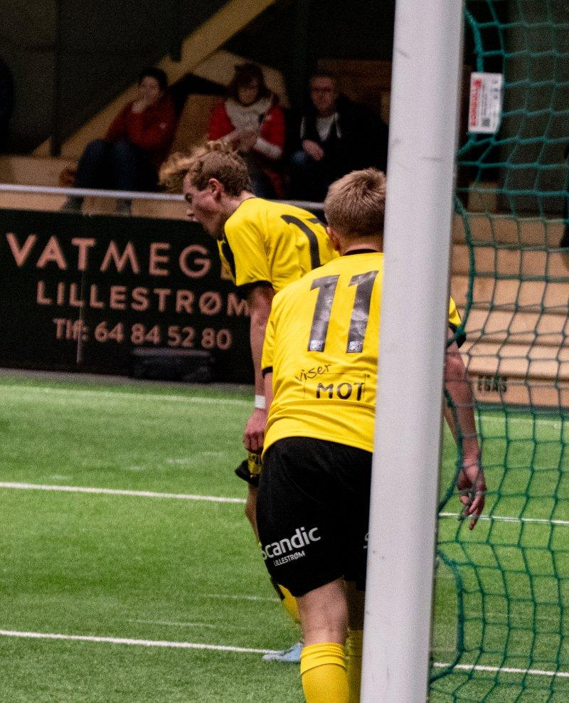 GLEDE: Mikkel Rakneberg slapp jubelen løs etter å ha scoret på corner. Foto: Emil Saglien Ruud