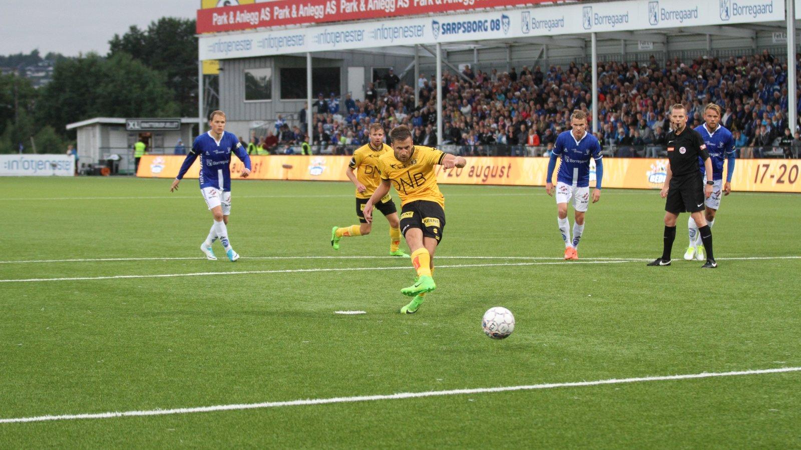 Aleksander Melgalvis scorer på straffe mot Sarpsborg 08